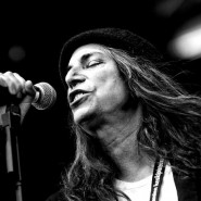 patti_smith_performing_in_finland